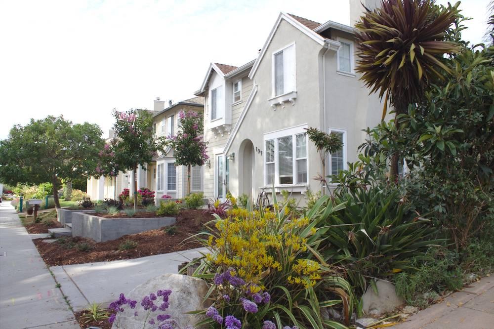 maison typique d'une petite ville de Californie