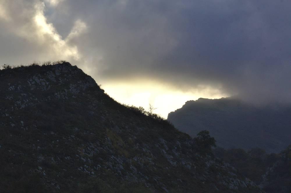 Lueurs Dans La Montagne Basque