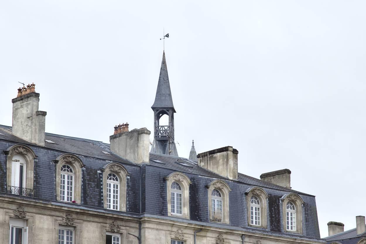 les jolis toits de Bordeaux l'hiver