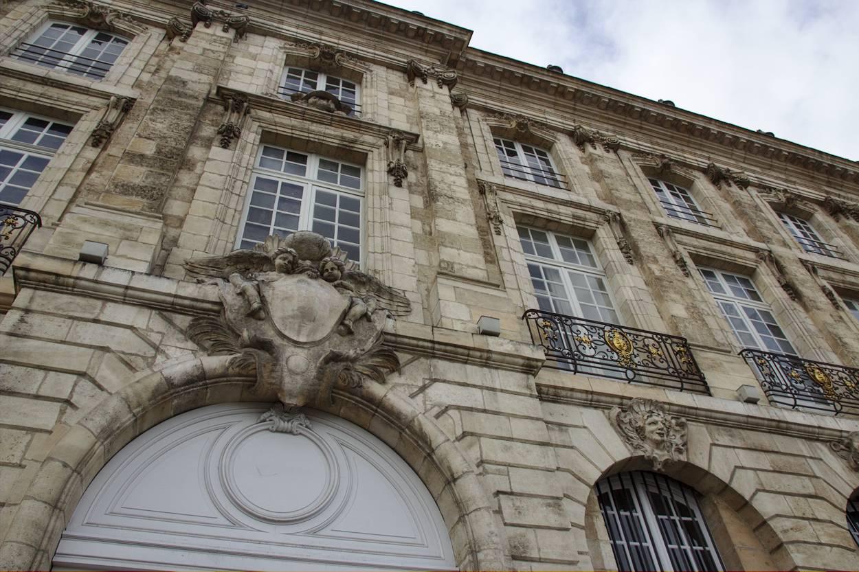 Bordeaux - un bel immeuble ancien près de la Place de la Bourse