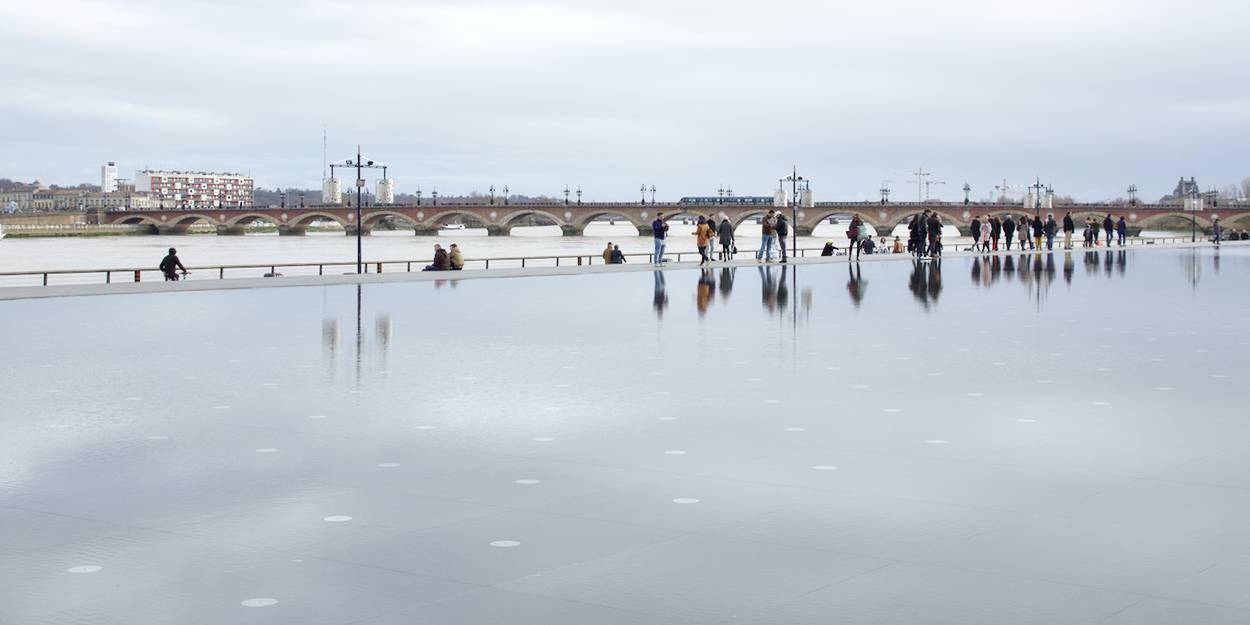Bordeaux en hiver : qu'importe la saison le miroir d'eau est aussi beau