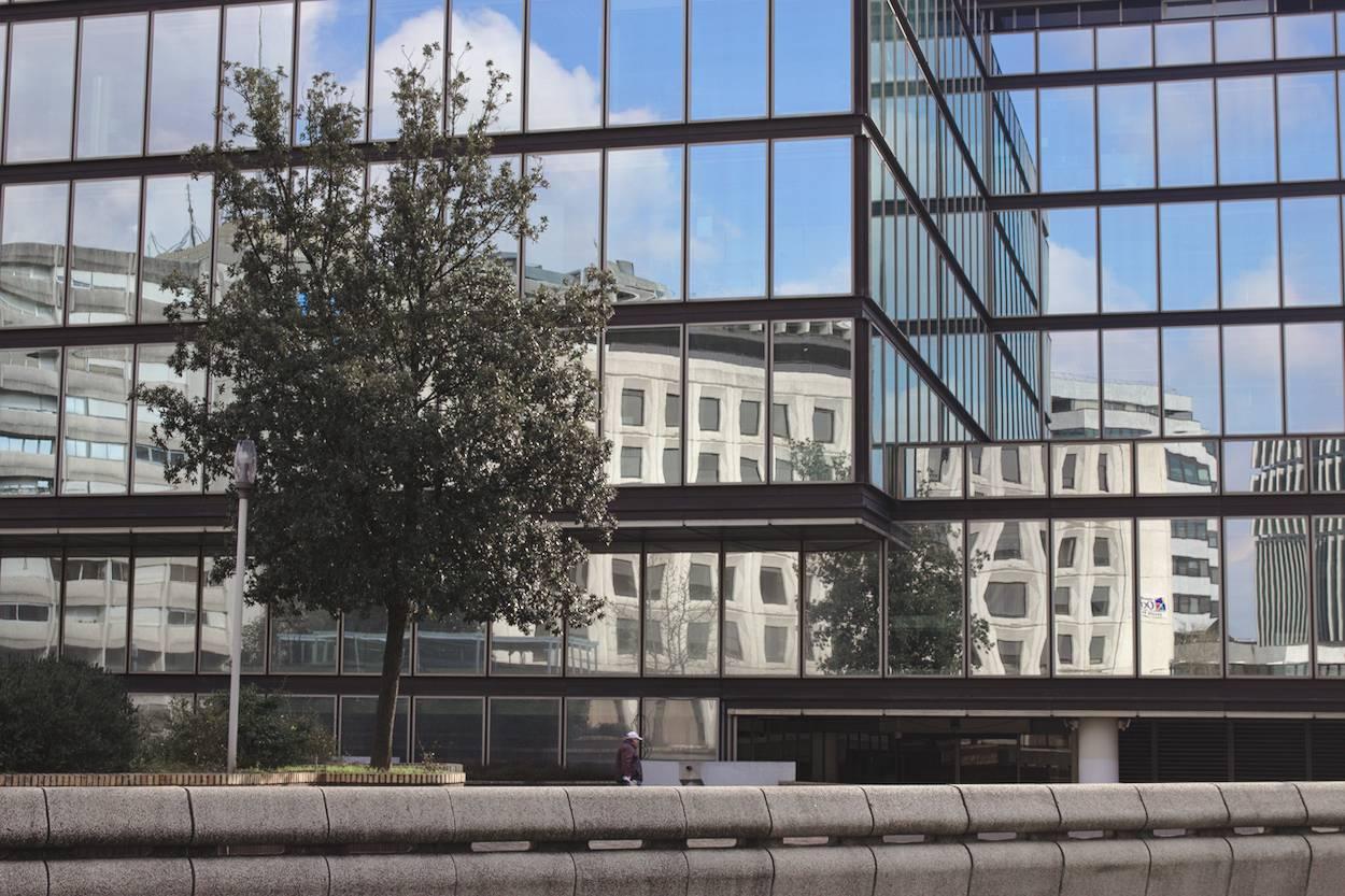 Reflets sur un immeuble de Mériadeck