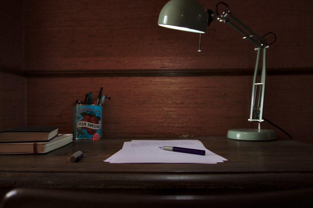 Ecrire-a-son-bureau-tous-les-jours